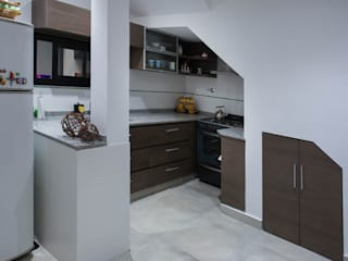Casa en ph de 2 patios: Cocinas de estilo moderno por MINUÉ Arquitectura