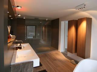 Badgestaltung mit freistehender Wanne Axel Fröhlich GmbH Moderne Badezimmer