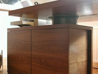 schüller.innenarchitektur Study/officeDesks Wood Brown