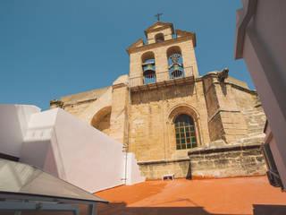 Iglesia San Dionisio: Azoteas de estilo  de MALBArquitectos
