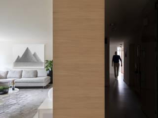 Maatmeubilair appartement Weert Moderne woonkamers van De Nieuwe Context Modern