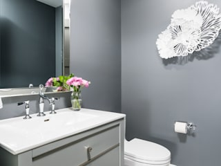 Powder Room:  Bathroom by Frahm Interiors