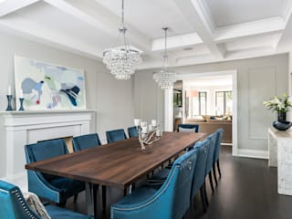 Lakeshore living:  Dining room by Frahm Interiors