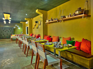 Restaurant, Hitec City:  Bars & clubs by Saloni Narayankar Interiors