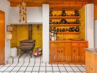Fotografía Inmobiliaria: Cocinas equipadas de estilo  por FOTOIMX: Fotógrafo de Inmuebles en CDMX