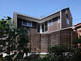 Holzhaus von 芦田成人建築設計事務所,