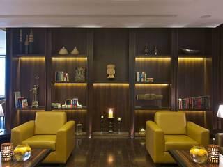 Moderner Flur, Diele & Treppenhaus von Racheta Interiors Pvt Limited Modern