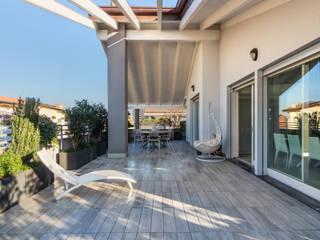 Fotografie Appartamento / Attico || Foto di ZEROPXL Balcone, Veranda & Terrazza in stile moderno di ZEROPXL | Fotografia di interni e immobili Moderno