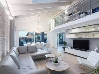 Zona Living: Soggiorno in stile  di ZEROPXL | Fotografia di interni e immobili