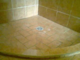 baños Baños modernos de INSTALACIONES MENDOZA Moderno