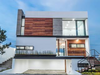 SESIÓN FOTOGRÁFICA PUERTA LAS LOMAS - NOCHE - : Casas unifamiliares de estilo  por ECKEN virtual spaces