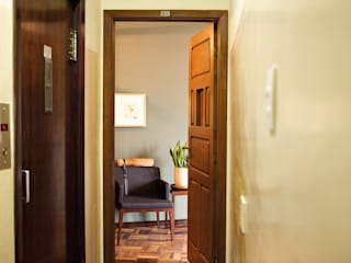 Espaço L Corredores, halls e escadas clássicos por Roger Engelmann Fotografia Clássico