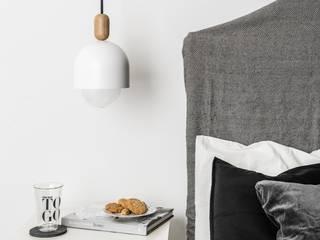 LOFT OVOI BIAŁA LAMPA WISZĄCA: styl , w kategorii  zaprojektowany przez Kolorowe Kable