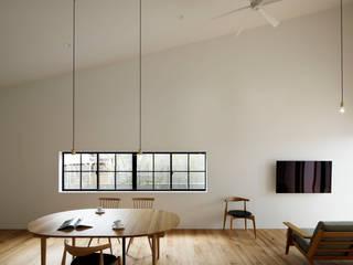 Scandinavian style living room by 株式会社CAPD Scandinavian