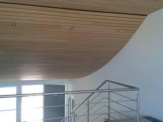par Pedro de Almeida Carvalho, Arquitecto, Lda Moderne