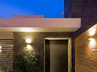 Houses by BCA Arch and Interiors, Modern