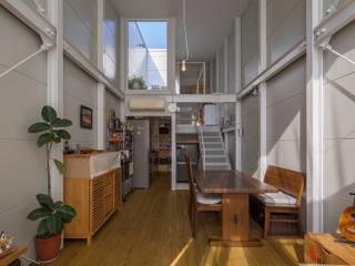 Ruang Keluarga by 山本嘉寛建築設計事務所 YYAA