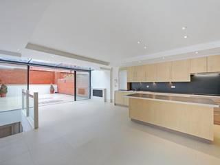 Unit dapur oleh House Renovation London Ltd, Modern
