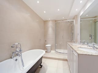 Kamar Mandi oleh House Renovation London Ltd, Modern