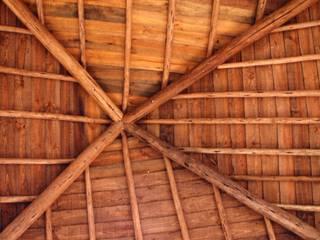 Pedro de Almeida Carvalho, Arquitecto, Lda Hipped roof Wood Brown