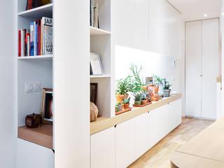 Modern Living Room by ATELIER JMCA Modern