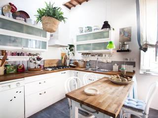 Cucina attrezzata in stile  di duesudue, Classico