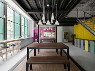 Industrial style offices & stores by 鈊楹室內裝修設計股份有限公司 Industrial