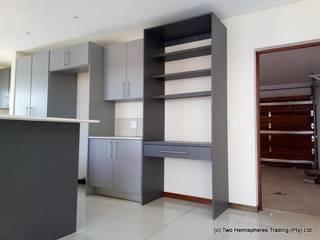 Midrand Site 3:  Kitchen by Drake Williams Decor