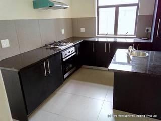 Midrand Site 4 Modern kitchen by Drake Williams Decor Modern