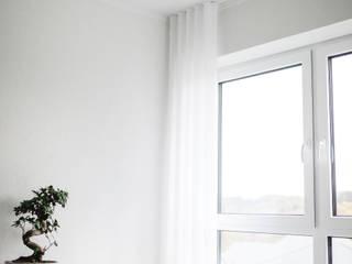 Moderne Gardinen in einem Neubau. von Traumreich mehr als Raumausstattung Minimalistisch