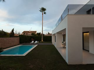 Vivienda en el Mediterráneo: Casas de estilo  de SGM Arquitectura