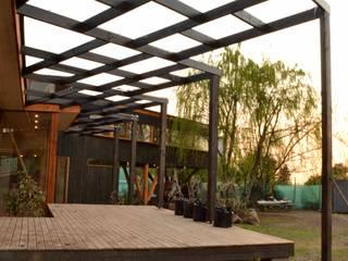 Terraza: Casas unifamiliares de estilo  por PhilippeGameArquitectos