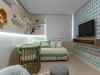Minimalist nursery/kids room by DUE Projetos e Design Minimalist