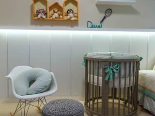 Quarto baby boy - Davi Quarto infantil minimalista por DUE Projetos e Design Minimalista