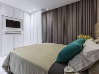 Apartamento Henry Quartos clássicos por DUE Projetos e Design Clássico