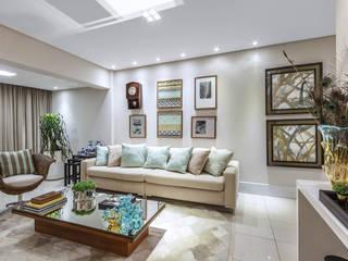 Apartamento Renaissence Salas de estar minimalistas por DUE Projetos e Design Minimalista