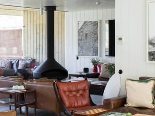 RUSTICASA | Casa do Rio | Vila Nova de Foz Côa Hôtels modernes par EC-BOIS Moderne Bois d'ingénierie Transparent