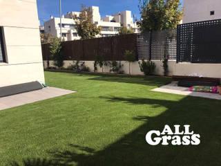 Césped Artificial para jardines: Jardines de estilo minimalista de Allgrass Solutions