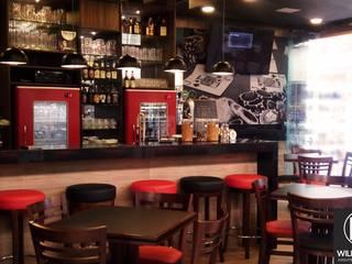 Bar Lá no Felipe Bares e clubes modernos por Arquiteto William Ruiz Moderno