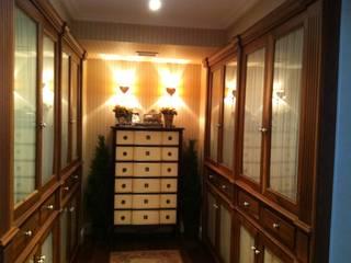 Vestidor:  de estilo  de Arquitecta interiores Ana Serrano