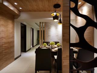 低調奢華佈局,雋永大器享靜謐:  餐廳 by 雅和室內設計