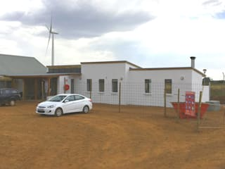 Construction photos of the Jeffries Bay Wind Farm's 'Operations & Maintenance Building' by Till Manecke:Architect Scandinavian