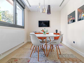 Dining room by Tarimas de Autor, Modern