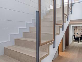 Stairs by Tarimas de Autor, Modern Wood Wood effect