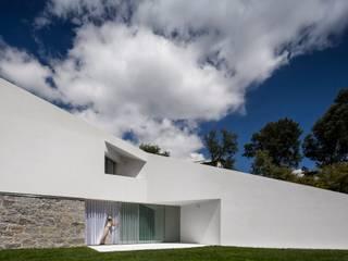 homify Villas Granite White