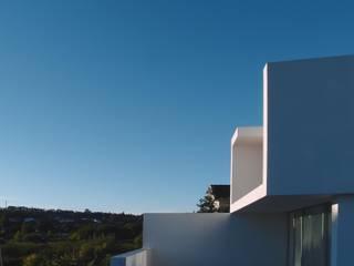 Casa Bruna - Fafe: Moradias  por Rui Vieira Oliveira Arquitecto