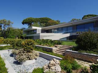 Casa unifamiliare in stile  di  MMXI architecture