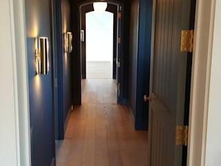 Shine Star Flooring Modern Corridor, Hallway and Staircase