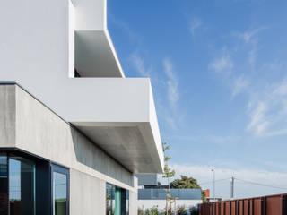 par Nelson Resende, Arquitecto Moderne