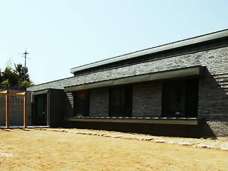 강학리 주택 모던스타일 주택 by 이이케이 건축사사무소 모던